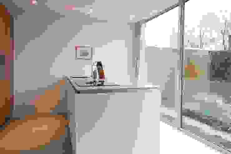 Koken met uitzicht Moderne keukens van Architect2GO Modern Hout Hout