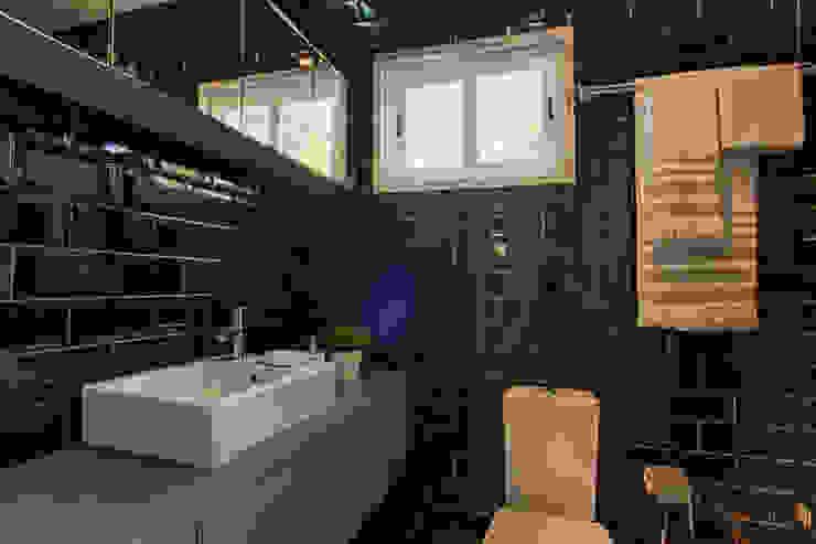 Casa de Praia Casas de banho ecléticas por Santiago | Interior Design Studio Industrial