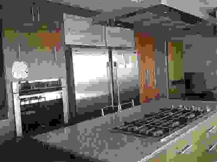 DEPARTAMENTO R-G Cocinas modernas de IARKITECTURA Moderno Granito