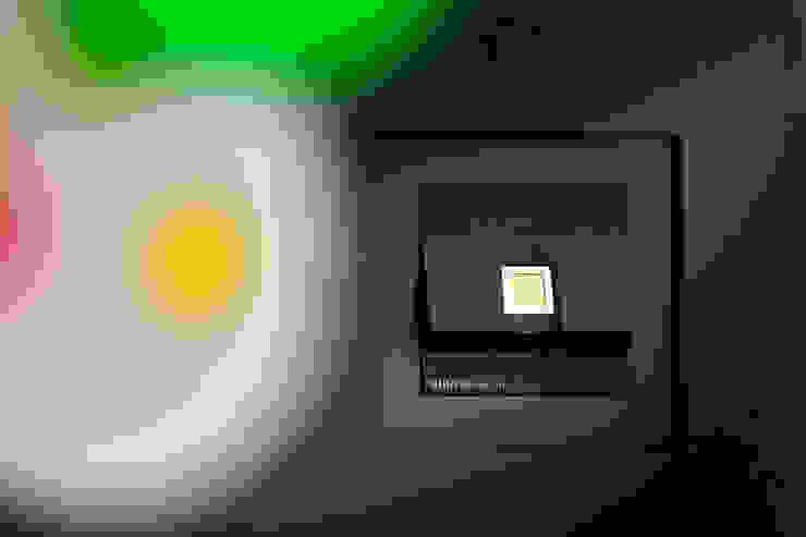 Phòng giải trí phong cách hiện đại bởi Klaus Geyer Elektrotechnik Hiện đại