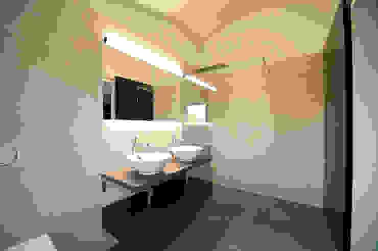 Moderne badkamers van mmarch gmbh - Mader Marti Architektur ETH SIA Modern Tegels