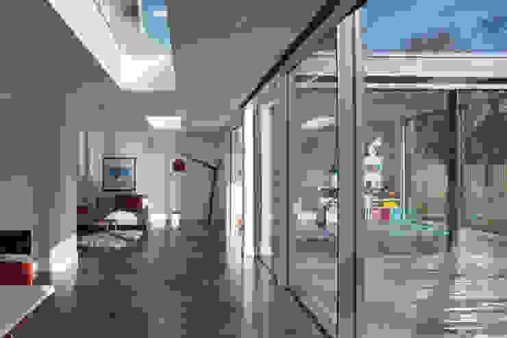 Ashley Road Modern windows & doors by IQ Glass UK Modern