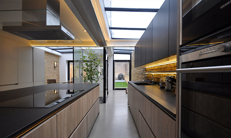 The Courtyard House Modern kitchen by Space Group Architects Modern