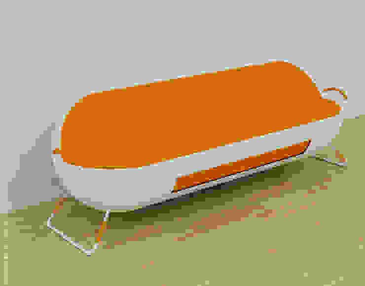 Capsule sofa - Orange + white: modern  by Preetham  Interior Designer,Modern
