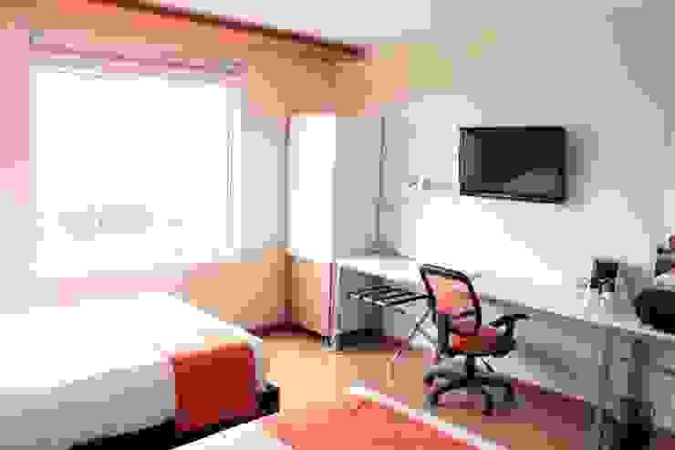 Ventanas de PVC Fensteq Modern hotels Glass White