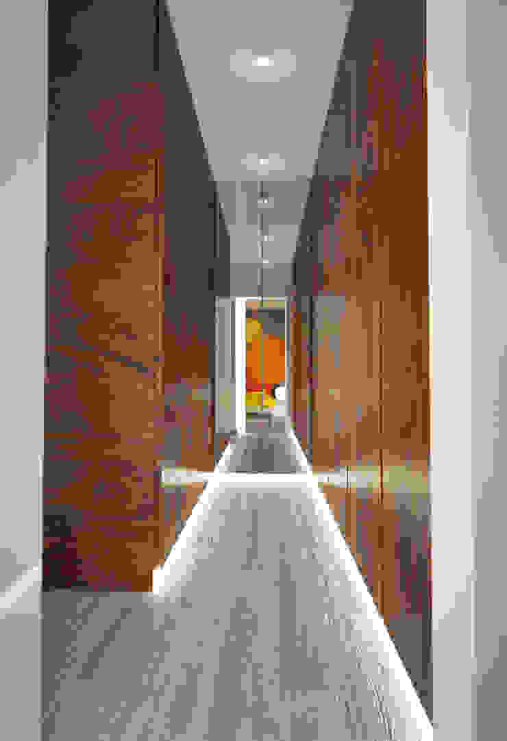 Suite 2 Closets modernos por Tiago Martins - 3D Moderno