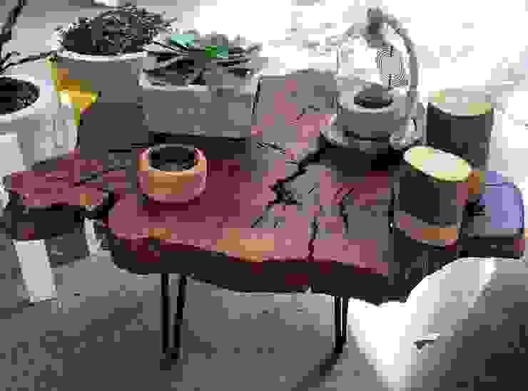 Mesa de trocnco de pino de MADERA Moderno Madera Acabado en madera