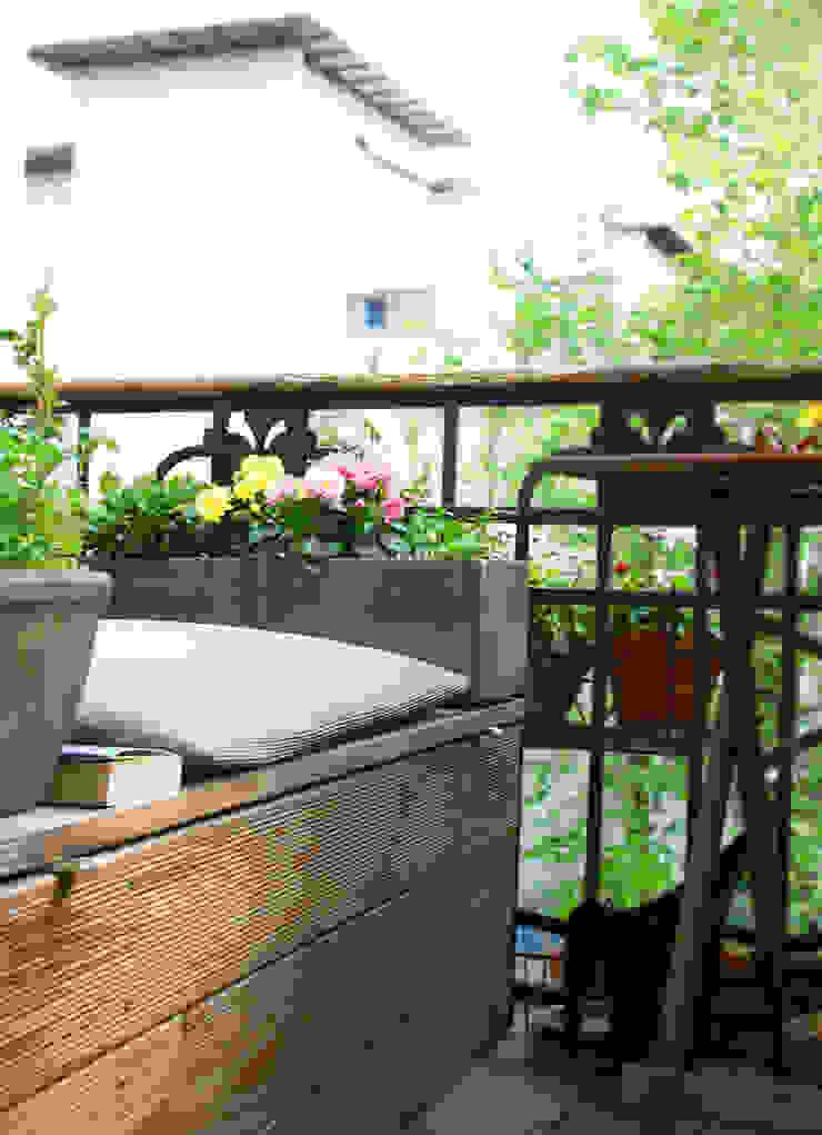 Balkonien Skandinavischer Balkon, Veranda & Terrasse von studio jan homann Skandinavisch