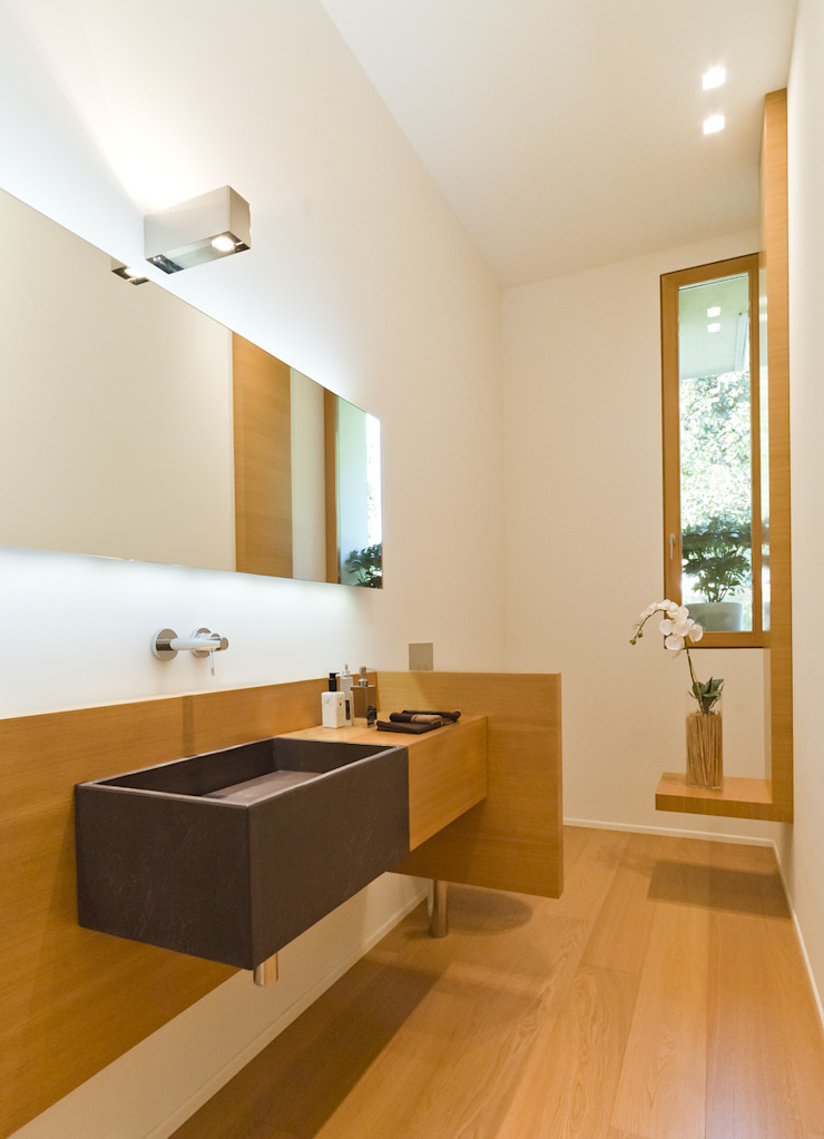 STUDIO CERON & CERON Modern bathroom