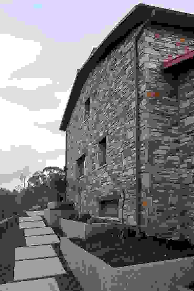 Vivienda en Broño Casas de estilo rústico de AD+ arquitectura Rústico