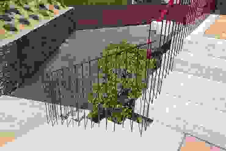 Vivienda en Broño Balcones y terrazas de estilo rústico de AD+ arquitectura Rústico