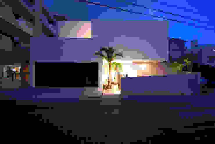 HKM-house モダンな 家 の 門一級建築士事務所 モダン コンクリート