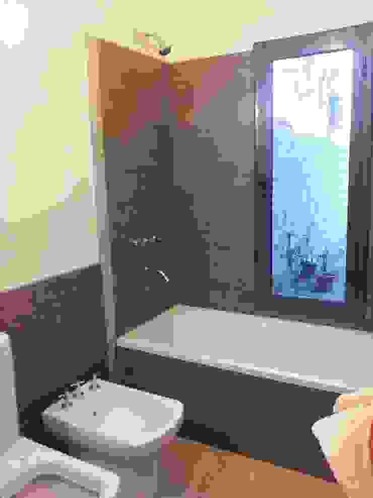 Modern bathroom by BULLK CONSTRUCTORA Modern