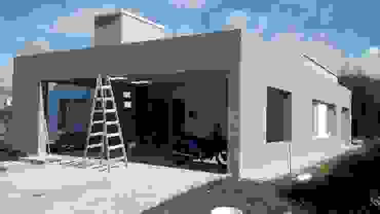 Ampliacion B° San Isidro – Villa Allende Casas modernas: Ideas, imágenes y decoración de BULLK CONSTRUCTORA Moderno