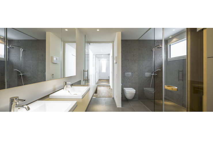 gerken.architekten+ingenieure Salle de bain moderne