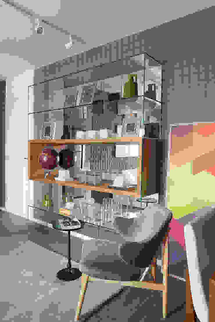 SESSO & DALANEZI Living roomShelves Glass