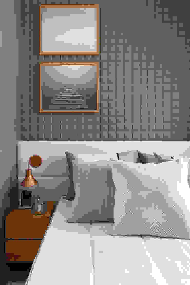 SESSO & DALANEZI Modern style bedroom