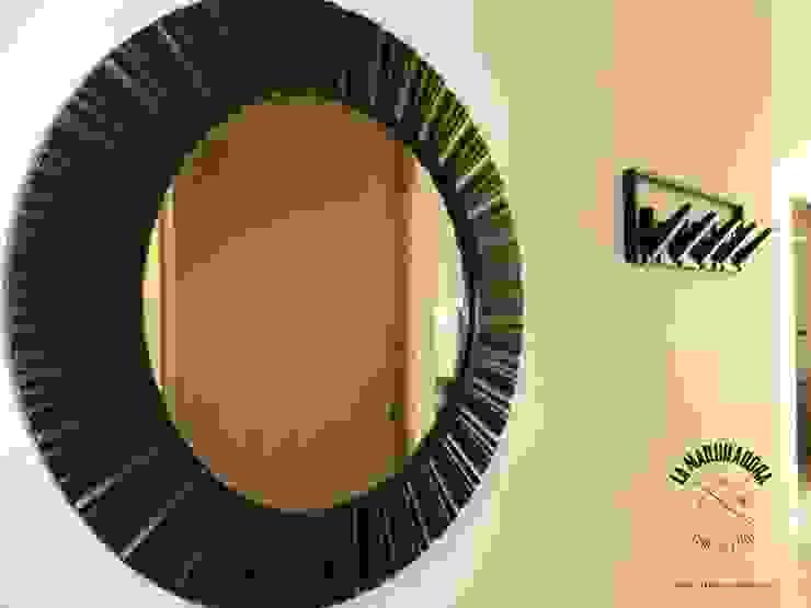 Pasillos, vestíbulos y escaleras de estilo moderno de La Maquiladora / taller de ideas Moderno