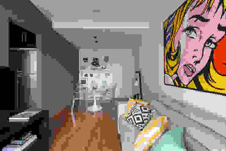 Moderne Wohnzimmer von SESSO & DALANEZI Modern