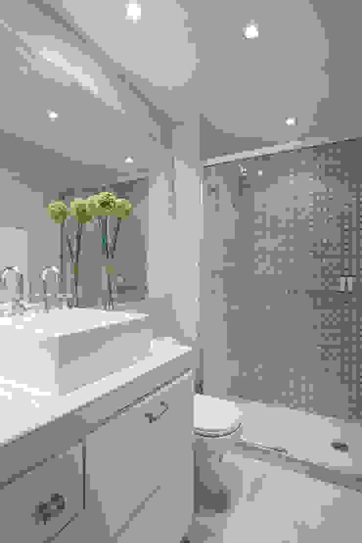 Moderne Badezimmer von SESSO & DALANEZI Modern