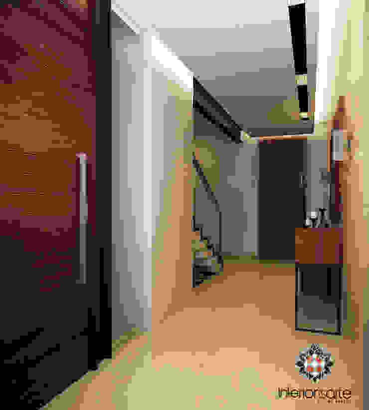 Modern Corridor, Hallway and Staircase by Interiorisarte Modern Wood Wood effect