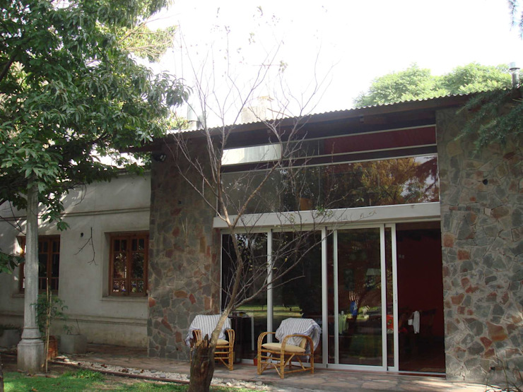 FACHADA Casas eclécticas de Arq Andrea Mei - C O M E I - Ecléctico