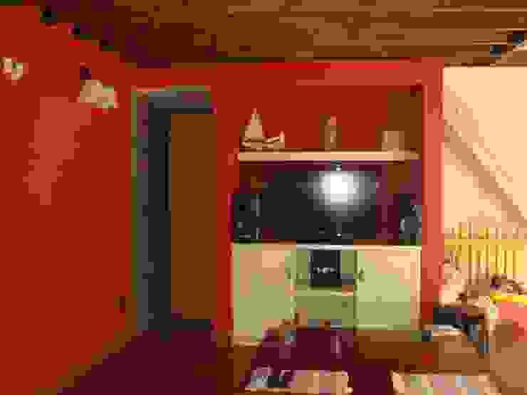 Area de TV Salas multimedia eclécticas de Arq Andrea Mei - C O M E I - Ecléctico