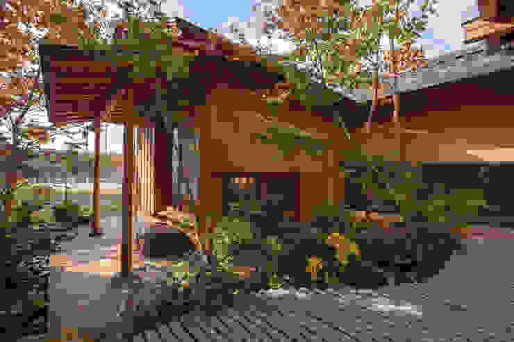 七左の離れ屋 クラシカルな 庭 の 株式会社 けやき建築設計・欅組 クラシック