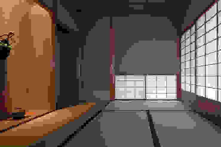 七左の離れ屋 クラシックデザインの 多目的室 の 株式会社 けやき建築設計・欅組 クラシック