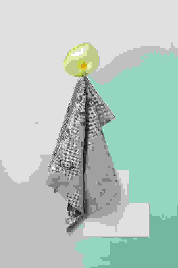 Fungy! Towel N°2 Sand van Roos Soetekouw Design Eclectisch