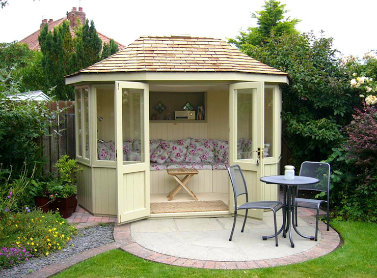 Oval Summerhouse Colonial style gardens by homify Colonial Tiles