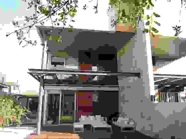 Reforma integral de vivienda unifamiliar en Aravaca Jardines de estilo moderno de Reformmia Moderno