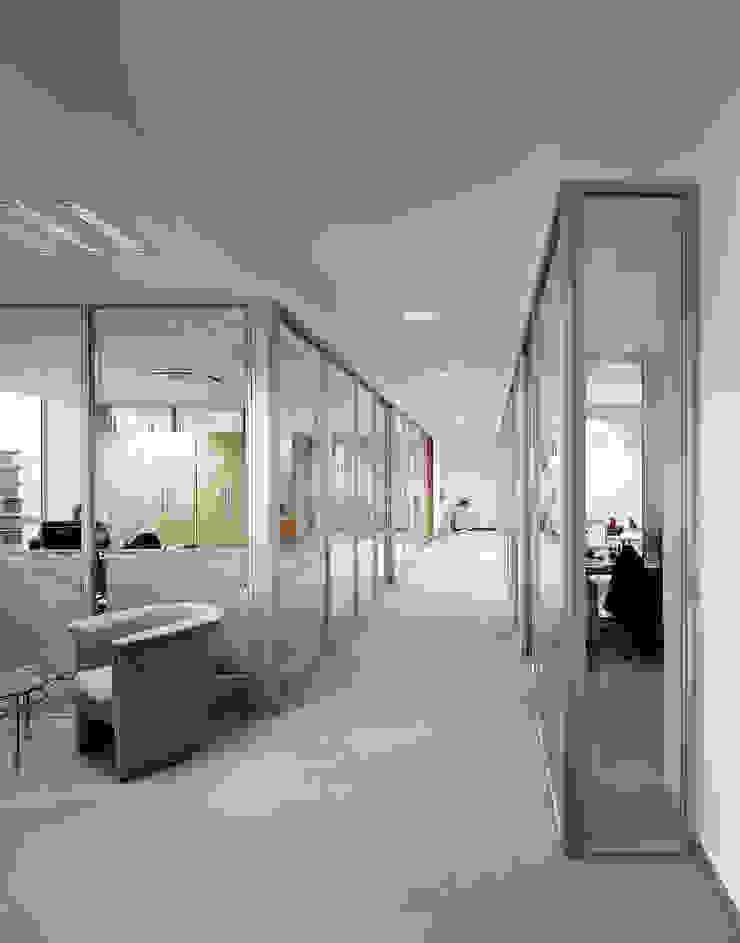 Design Manufaktur GmbH Office spaces & stores