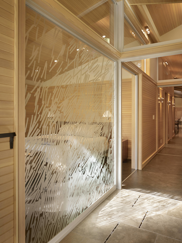 Design Manufaktur GmbH BedroomWardrobes & closets