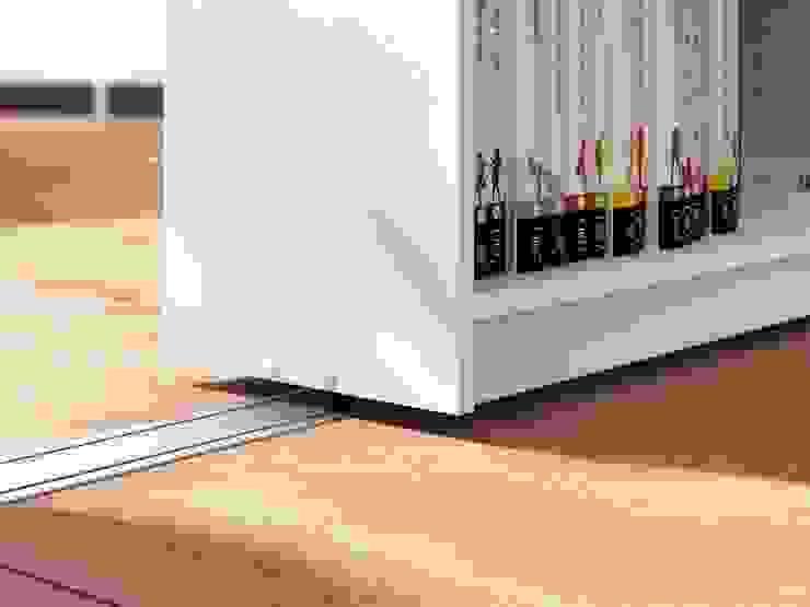Design Manufaktur GmbH Living roomStorage