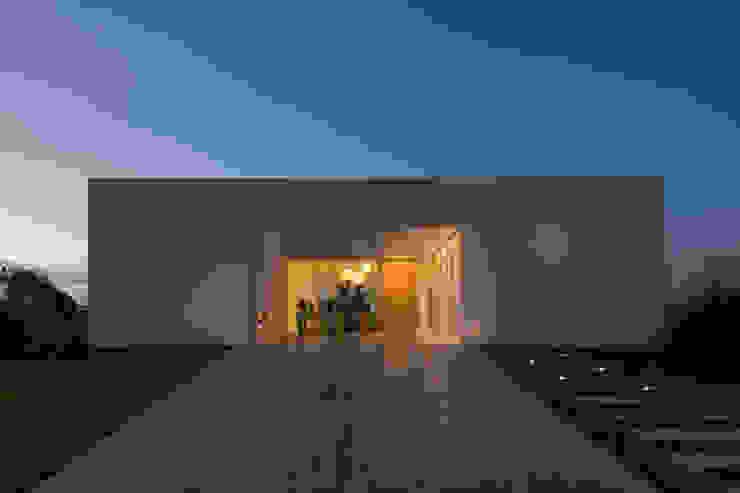 Houses by VISMARACORSI ARQUITECTOS, Minimalist