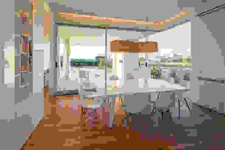 Salas de jantar minimalistas por VISMARACORSI ARQUITECTOS Minimalista