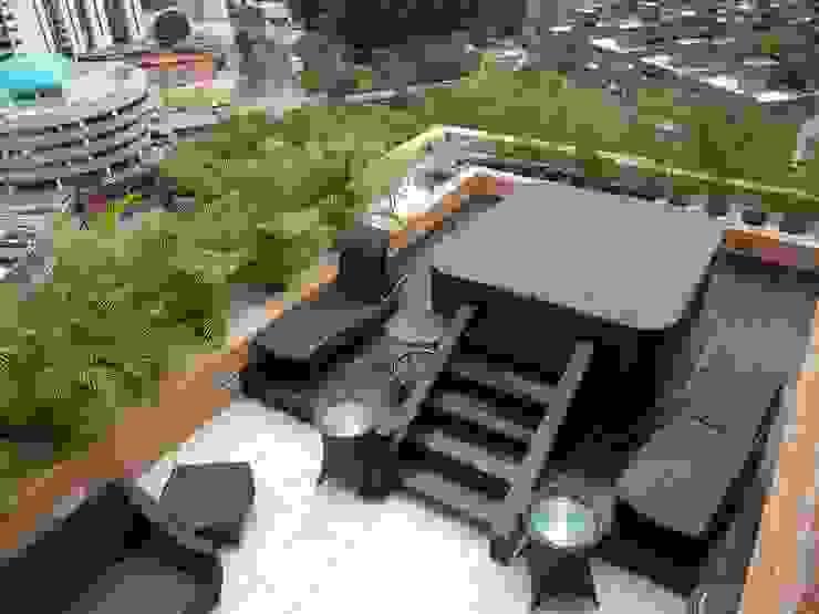Spa en Terraza Balcones y terrazas de estilo minimalista de BLUE POLYGON C.A. Minimalista
