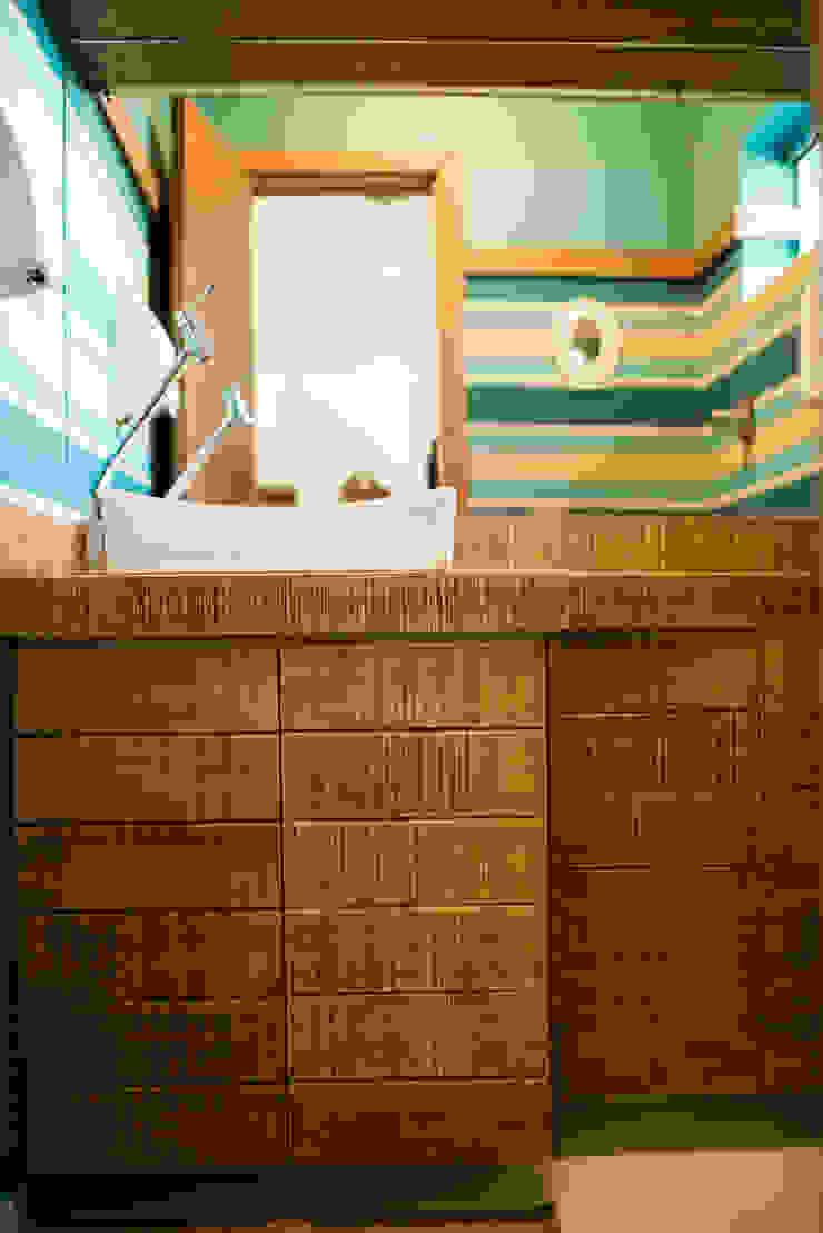 Veridiana Negri Arquitetura BathroomMedicine cabinets