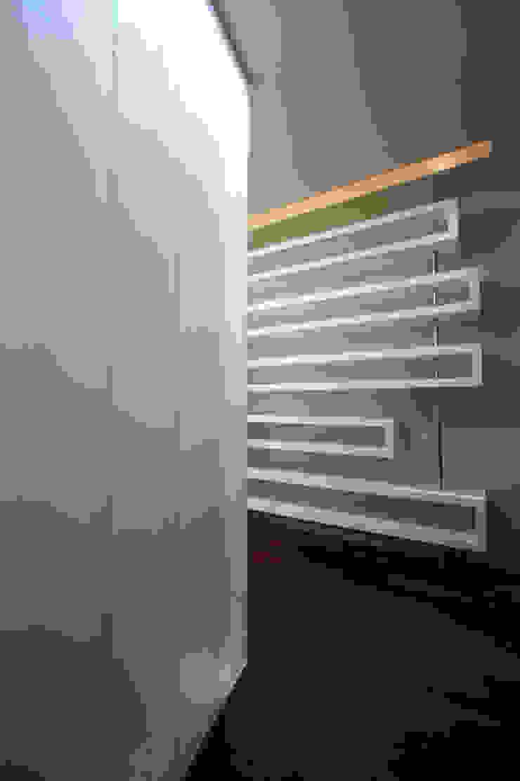 Copo - RIMA Arquitectura Pasillos, vestíbulos y escaleras modernos de RIMA Arquitectura Moderno Madera Acabado en madera
