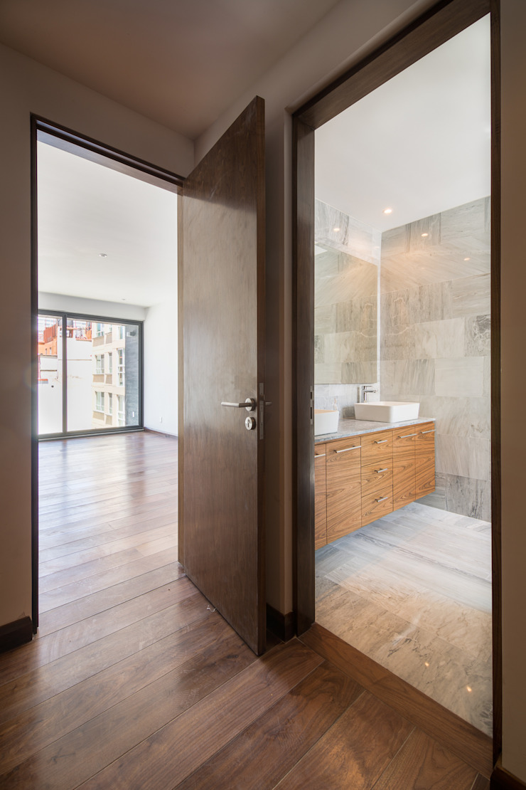 Modern bathroom by PHia Modern