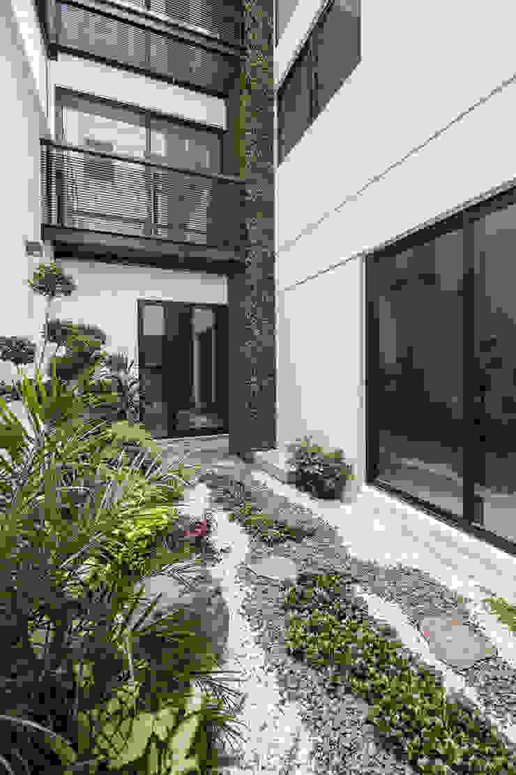 Modern Bahçe PHia Modern