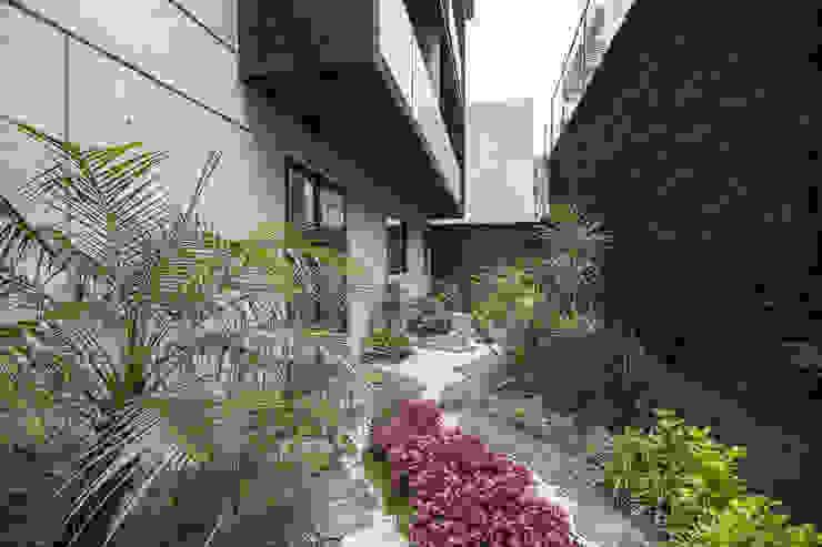 Jardines de estilo moderno de PHia Moderno