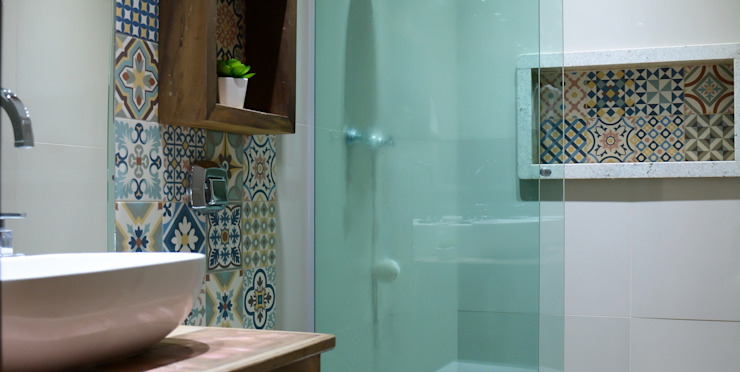 Baños de estilo rústico de Camila Chalon Arquitetura Rústico
