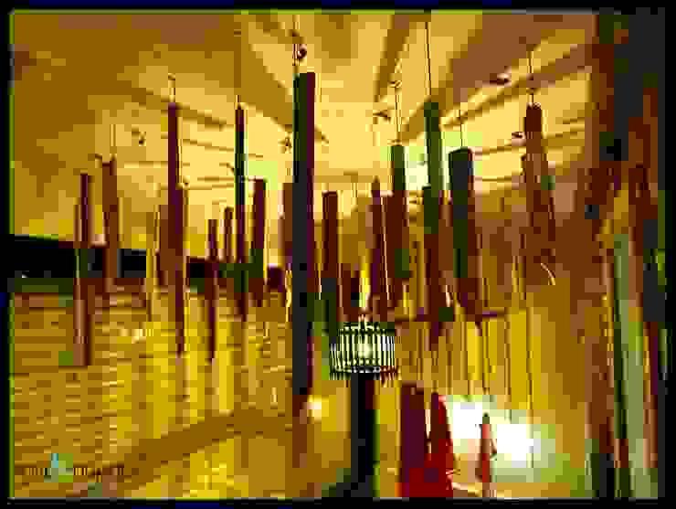 Ruang Komersial Gaya Rustic Oleh RAVI - NUPUR ARCHITECTS Rustic