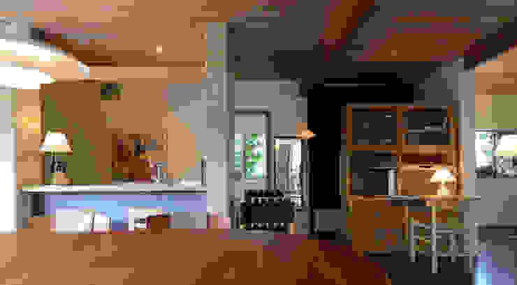 風景のアトリエ 風景のある家.LLC 北欧デザインの 書斎 木 青色