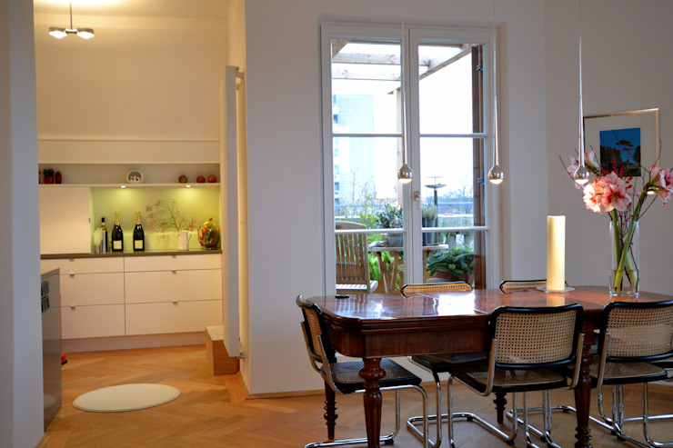 Modern dining room by reichl---beraten-planen-verwirklichen Modern