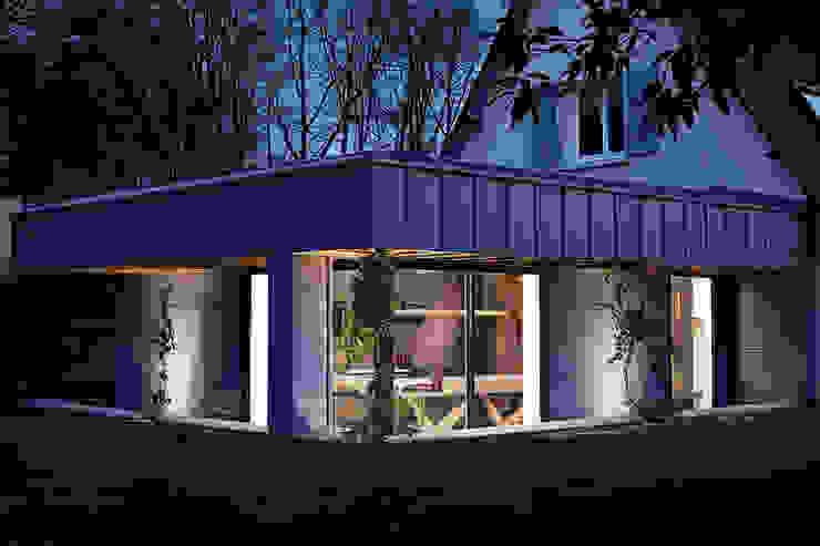 Eclairage extérieur de nuit O2 Concept Architecture Maisons modernes Bois Bleu