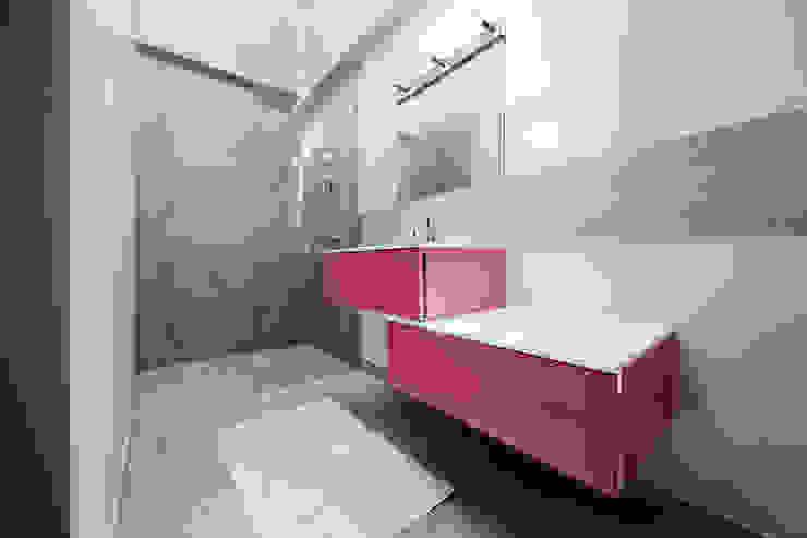 Moderne Badezimmer von O2 Concept Architecture Modern Sandstein