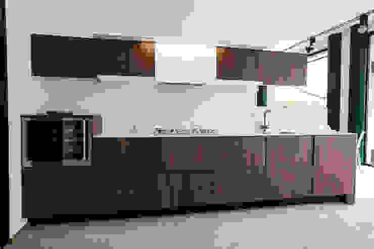 Vibo Cucine sas di Olivero Bruno e c. Кухня Дерево Коричневий